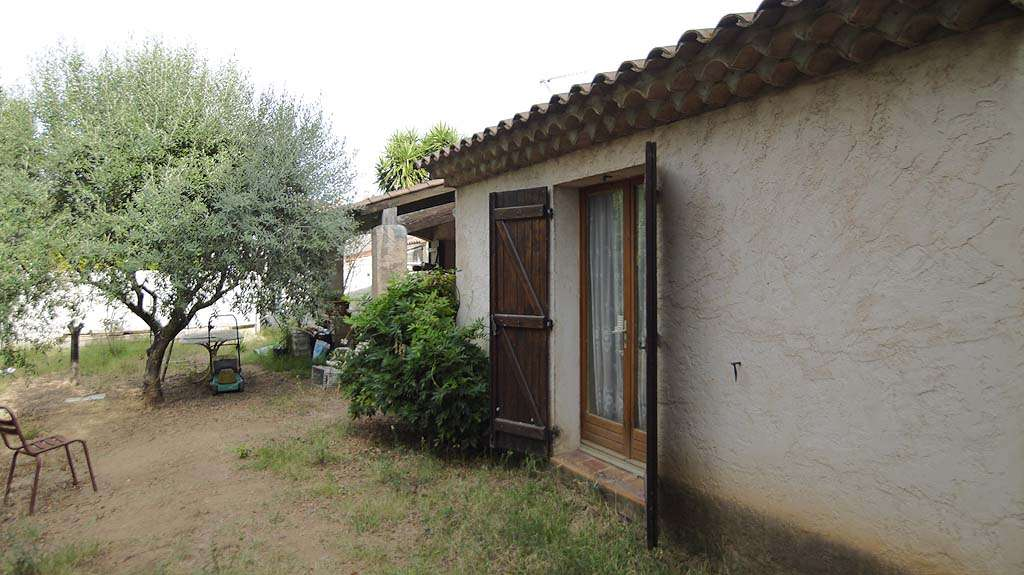 House 4 rooms at plain-pied - South of France