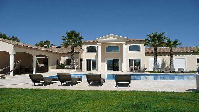 property modern at luxe on land 3072 m2 - South of France