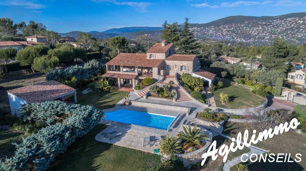 Wonderful stone property with sea view - French Riviera