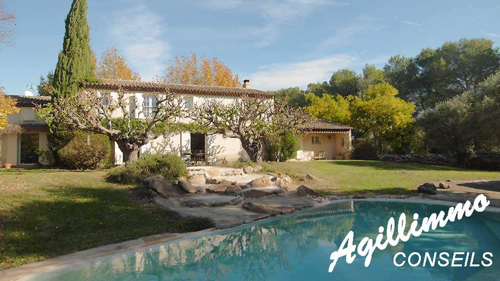 House 7 rooms with swimming pool  - ROQUEBRUNE SUR ARGENS