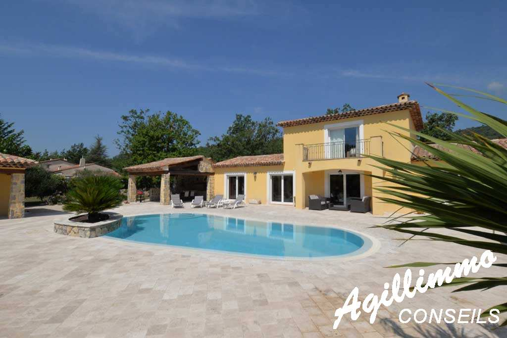 Property 2 housing on land at 4500 m2 - French Riviera