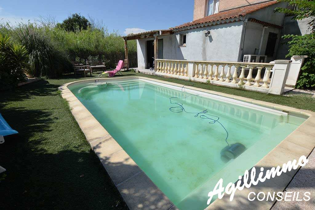 Rez-de-villa with garden and swimming pool - French Riviera