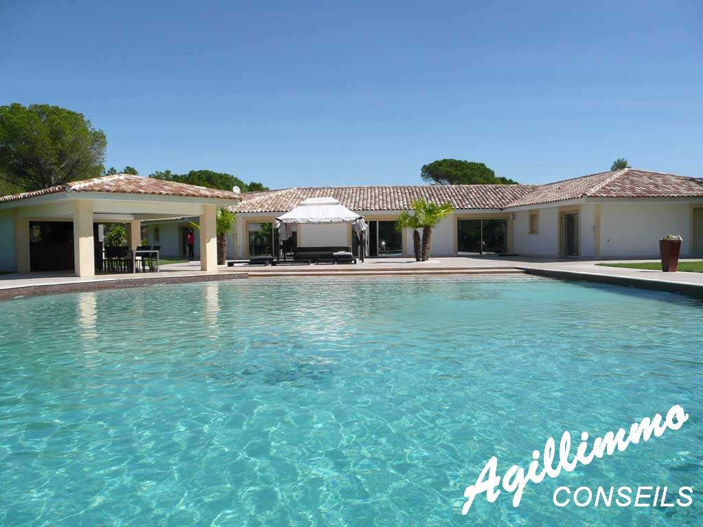 Property haut at gamme House modern  - ROQUEBRUNE SUR ARGENS