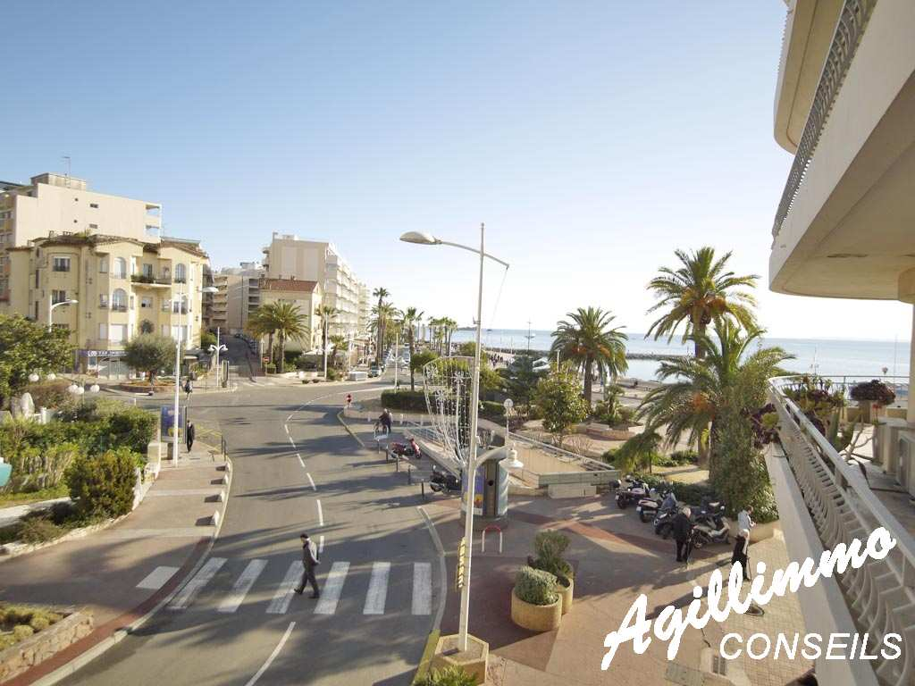 Bel apartment in the triangle d'or with view sea   - French Riviera