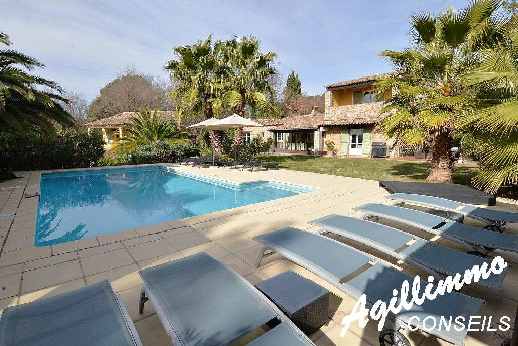 Property in stones with rooms d'Hôtes and Gîtes  in the french riviera
