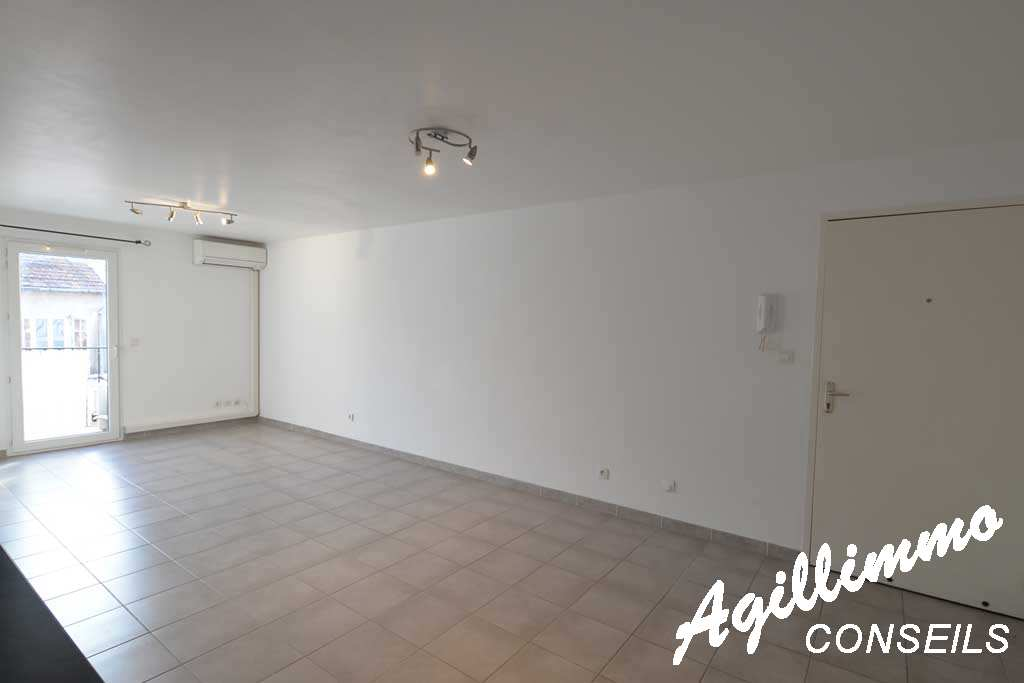 NEGOCIABLE 2 Rooms at 49 m2 quasiment new  - 83480  South of France