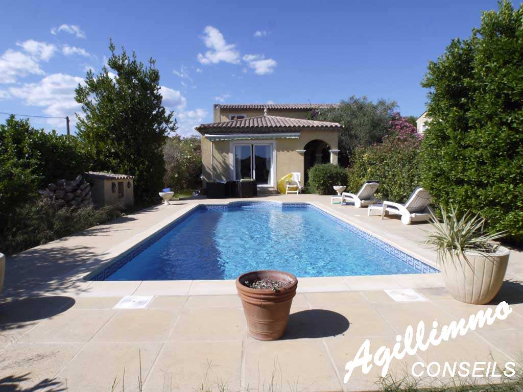 property with swimming pool - French Riviera