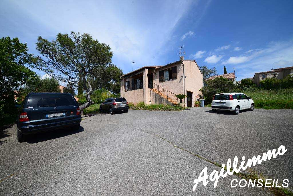 House individual with garage and basement - French Riviera
