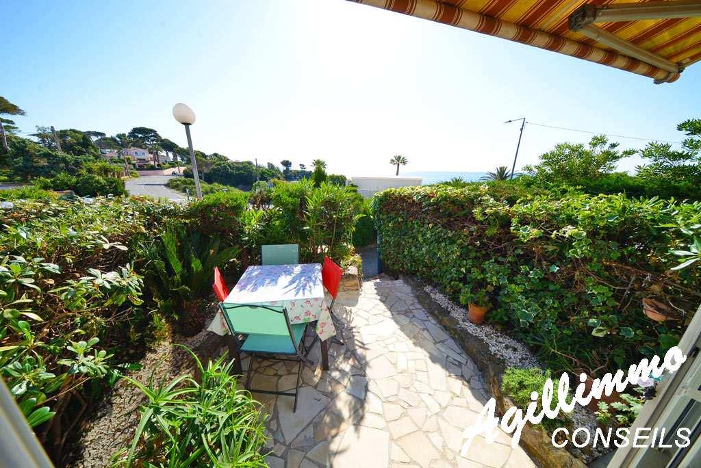 Beautiful T2 of Saint-Aygulf view sea   - French Riviera