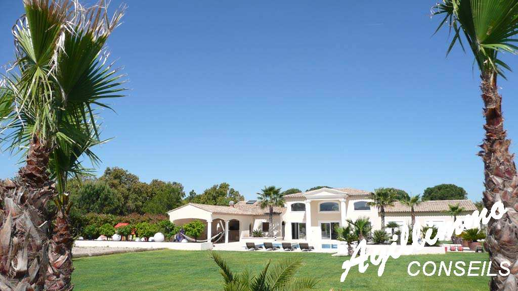 property modern at luxe on land 3072 m2  - 83340  South of France